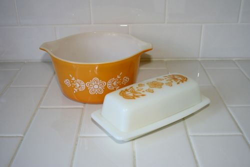 Pyrex Dishes (3)