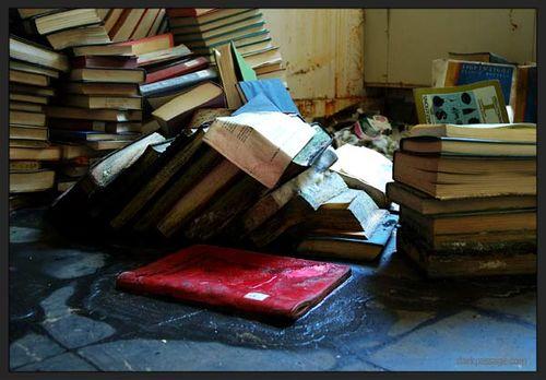 Julia - Book Morgue
