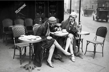 Lghr14985+jeunes-femmes-1925-roger-viollet-collection-art-print